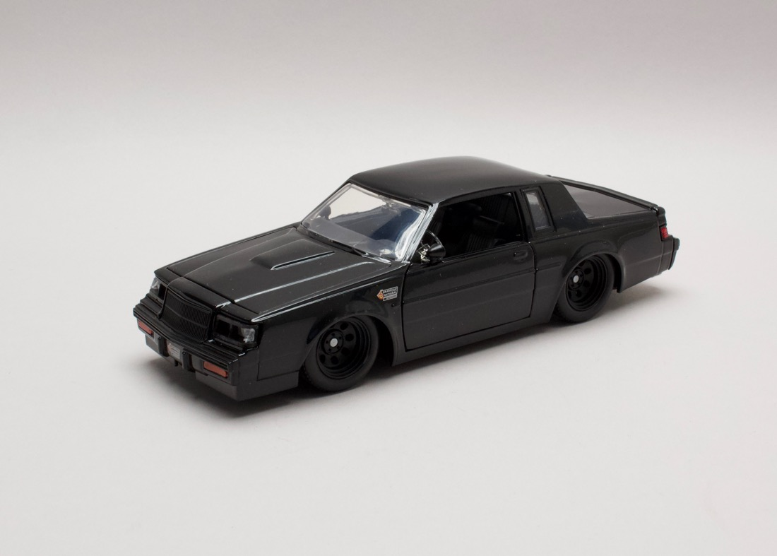 Buick Grand National 1987 Dom`s Rychle a zb. 1:24 Jada Toys