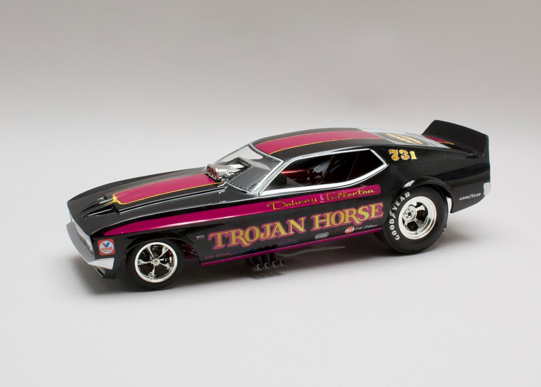 Ford Mustang NHRA 1972 Trojan Horse Funny Car 1:18 Auto World