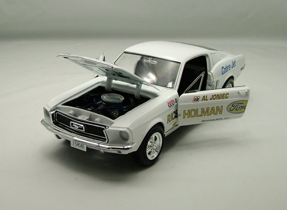 Ford Mustang Super Stock 1968 1:18 American Muscle Ertl