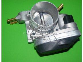 Škrtící klapka motoru Superb 2.0 benzin