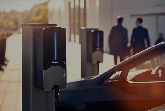 V ČR jezdí 8500 elektromobilů, využívají už 1400 dobíjecích míst