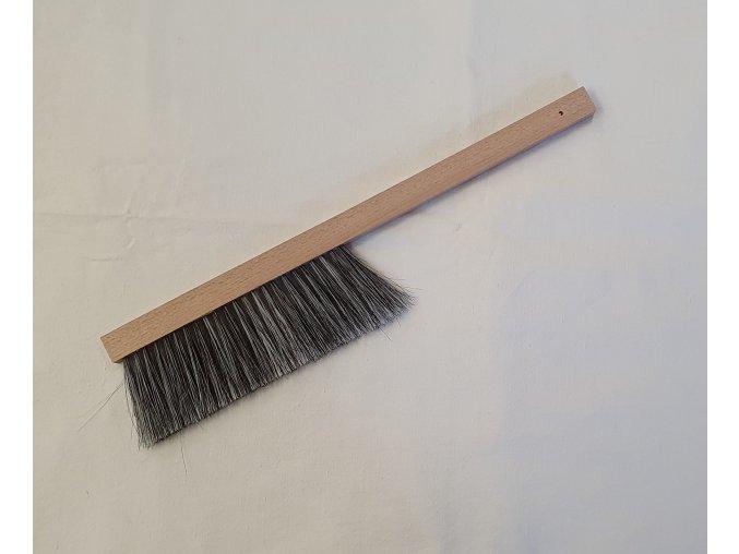 metlicka cierny vlas