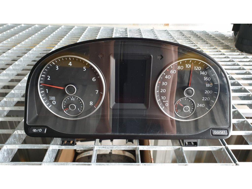Budíky Volkswagen Caddy 2K5 920 876 M