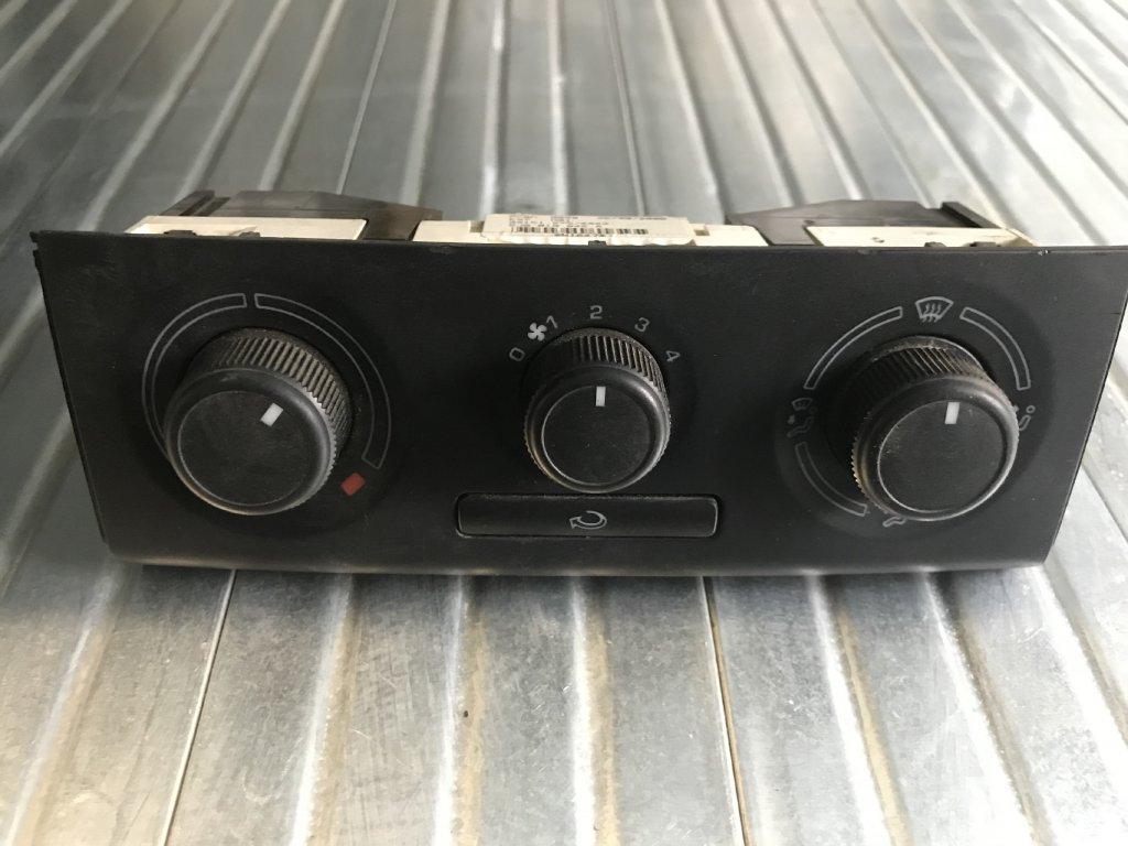 Ovládání topení 5J0 819 045A  Škoda Fabia II, Roomster