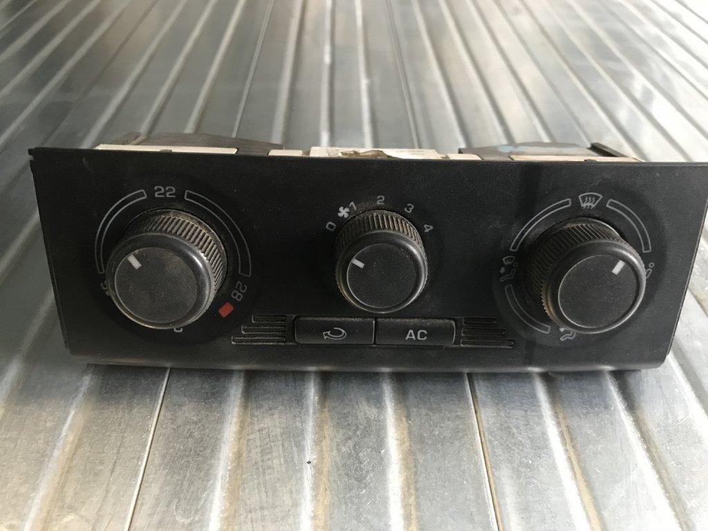 Ovládání topení 5J0 820 045  Škoda Fabia II, Roomster