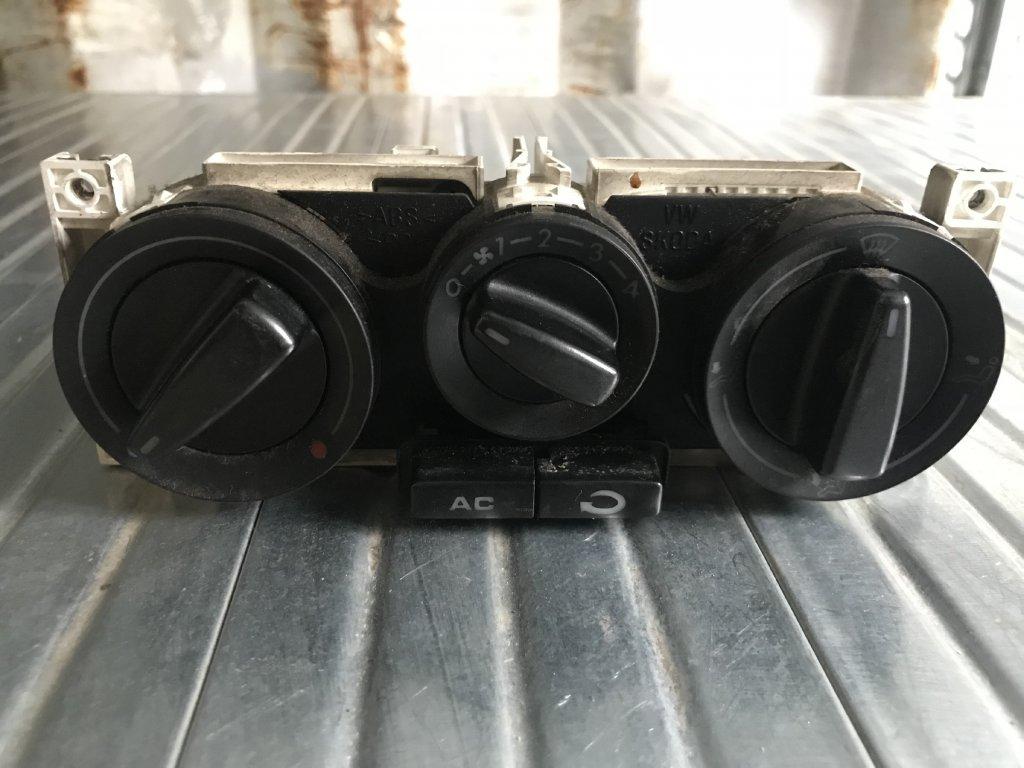 Ovládání topení 1J0 820 045 E