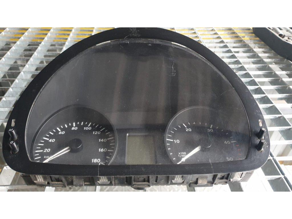 Budíky Mercedes-Benz Sprinter A 906 900 22 00