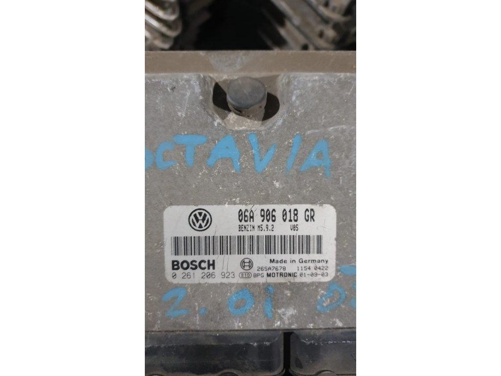 Řídící jednotka motoru 06A 906 018 GR