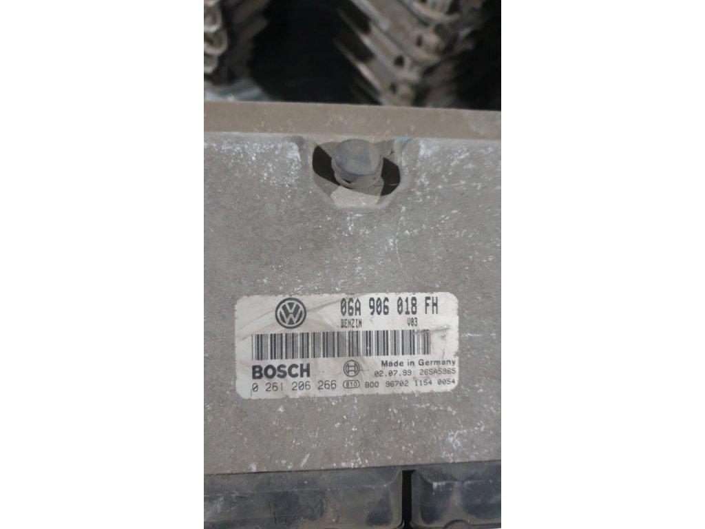 Řídící jednotka motoru 06A 906 018 FH