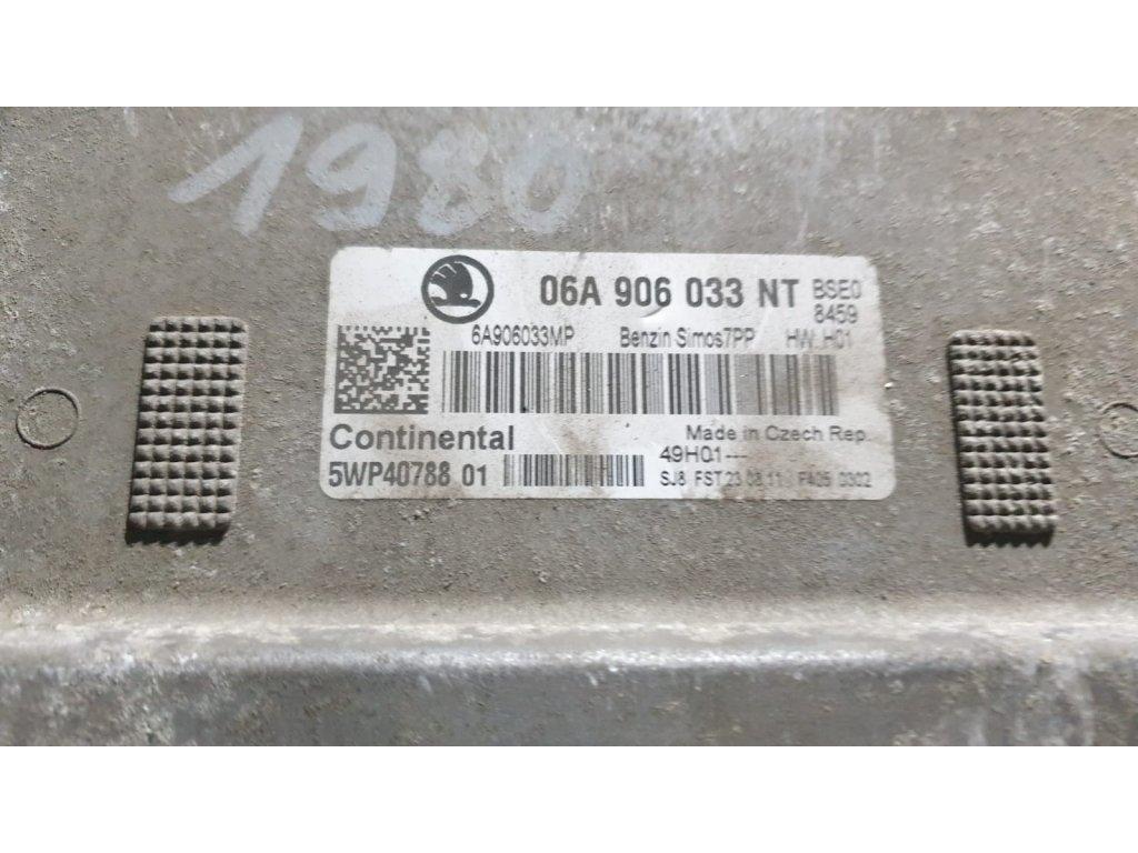 Řídící jednotka motoru 06A 906 033 NT