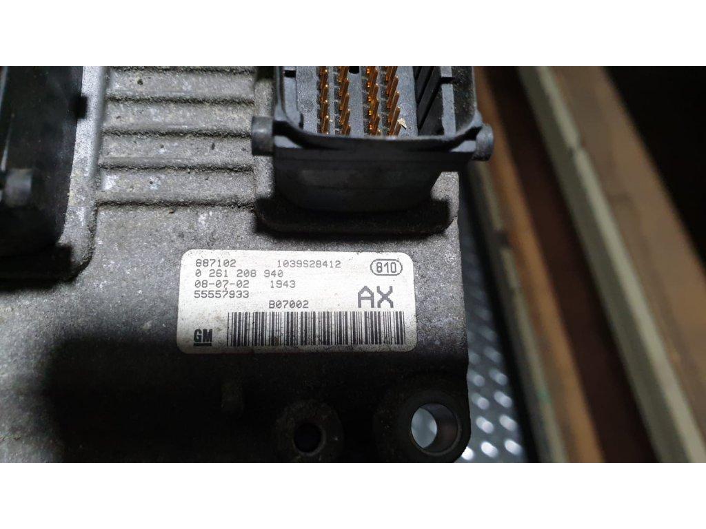 Řídící jednotka motoru Opel Corsa 1039S28412