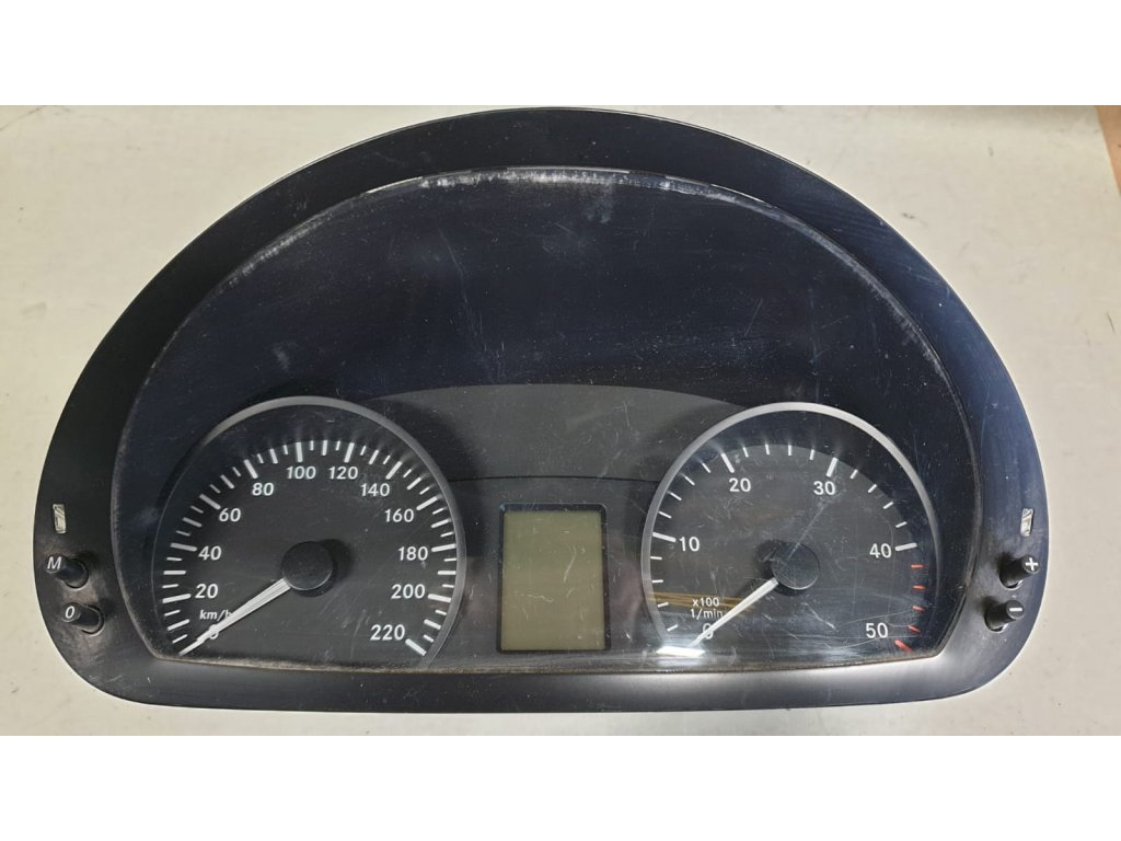 Budíky Mercedes-Benz Vito A6399006000