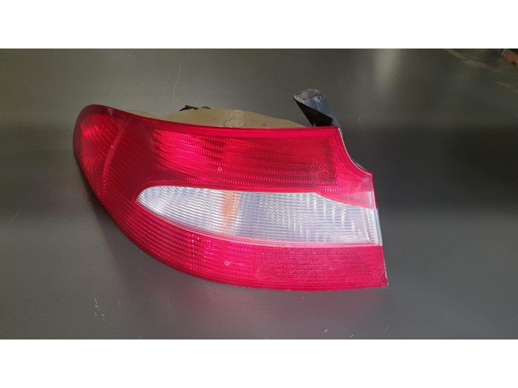 Levé zadní světlo Škoda Superb 3T5945095