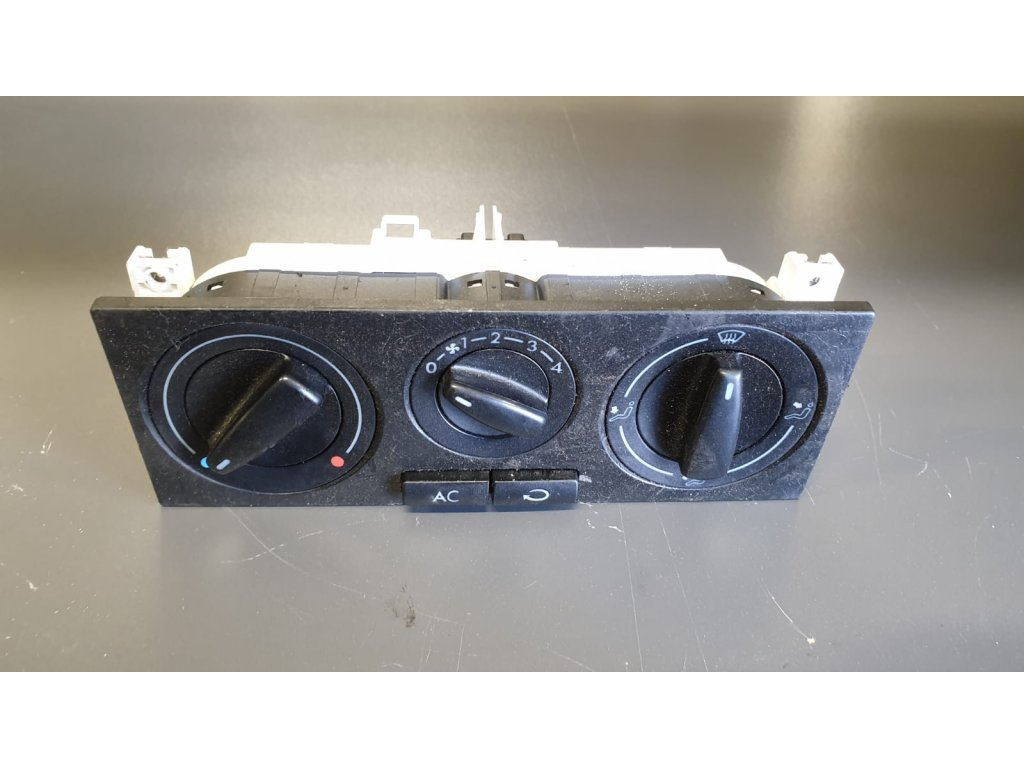 Ovládání topení Volkswagen Golf IV 1J0820045F