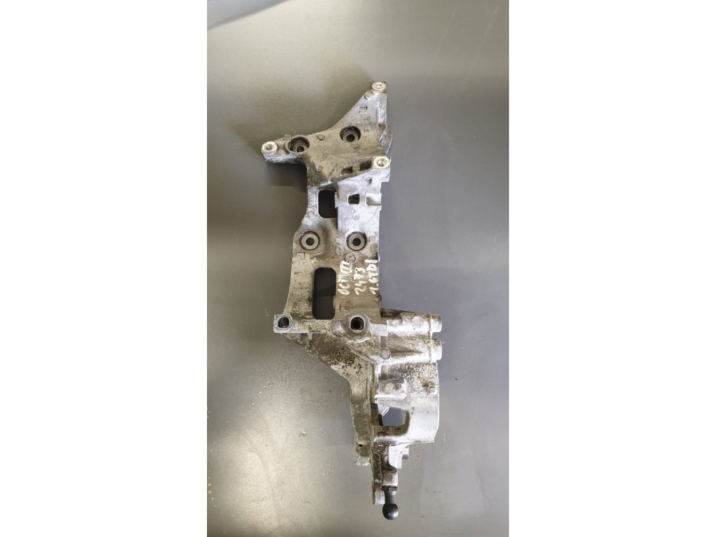 Držák klimakompresoru a alternátoru Škoda Audi VW 04L903143D