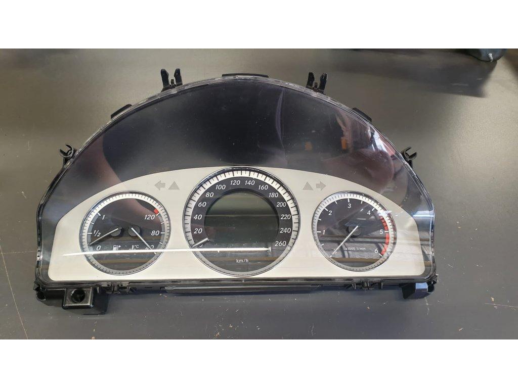 Budíky Mercedes-Benz C 204 A2049004500