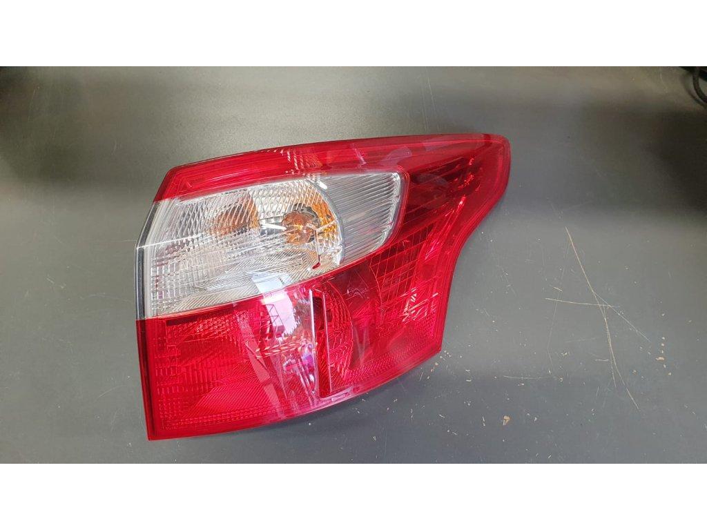 Pravé zadní venkovní světlo Ford Focus III BM51-13404-GG