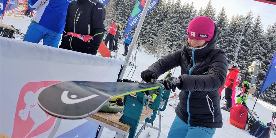 Prezentujeme se voskováním a testováním lyží ve SKI areálech