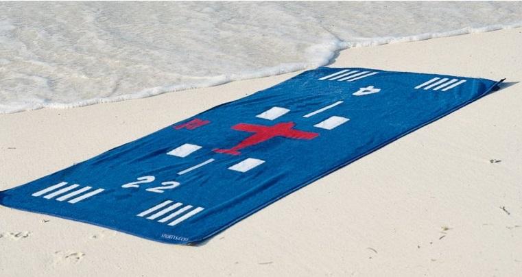 Plážová osuška s letadlem