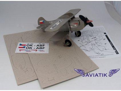 kartonový skládací model letadla