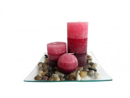 Dárkový set 3 svíčky s vůní skořice na skleněném podnosu s kameny.