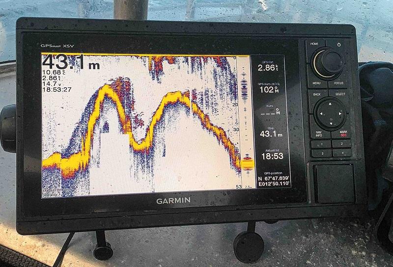 Echolot pro mořský rybolov Garmin
