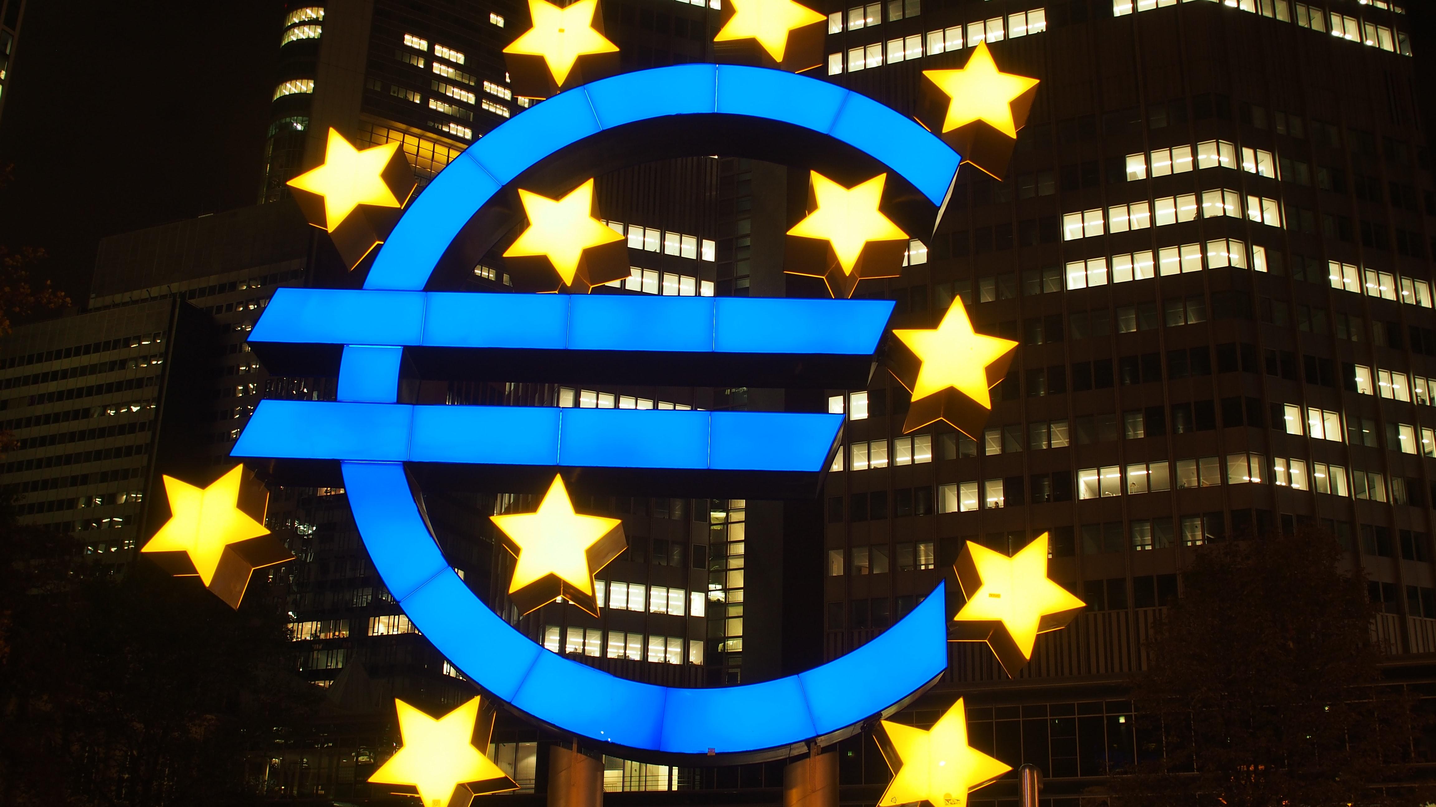 Zasíláme zboží také na Slovensko a do ostatních zemí EU. Ceny zboží v e-shopu lze zobrazit a nakoupit také v EUR (měnu přepínáte v pravém horním rohu).