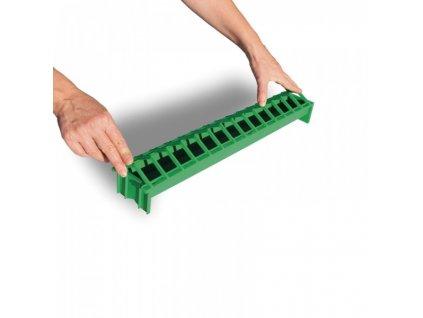 Krmítko pro kuřata PULCINO, žlabové, plastové, zelené, 7x50 cm