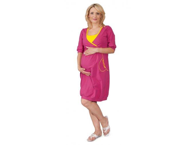 Sportovně střižené těhotenské šaty.