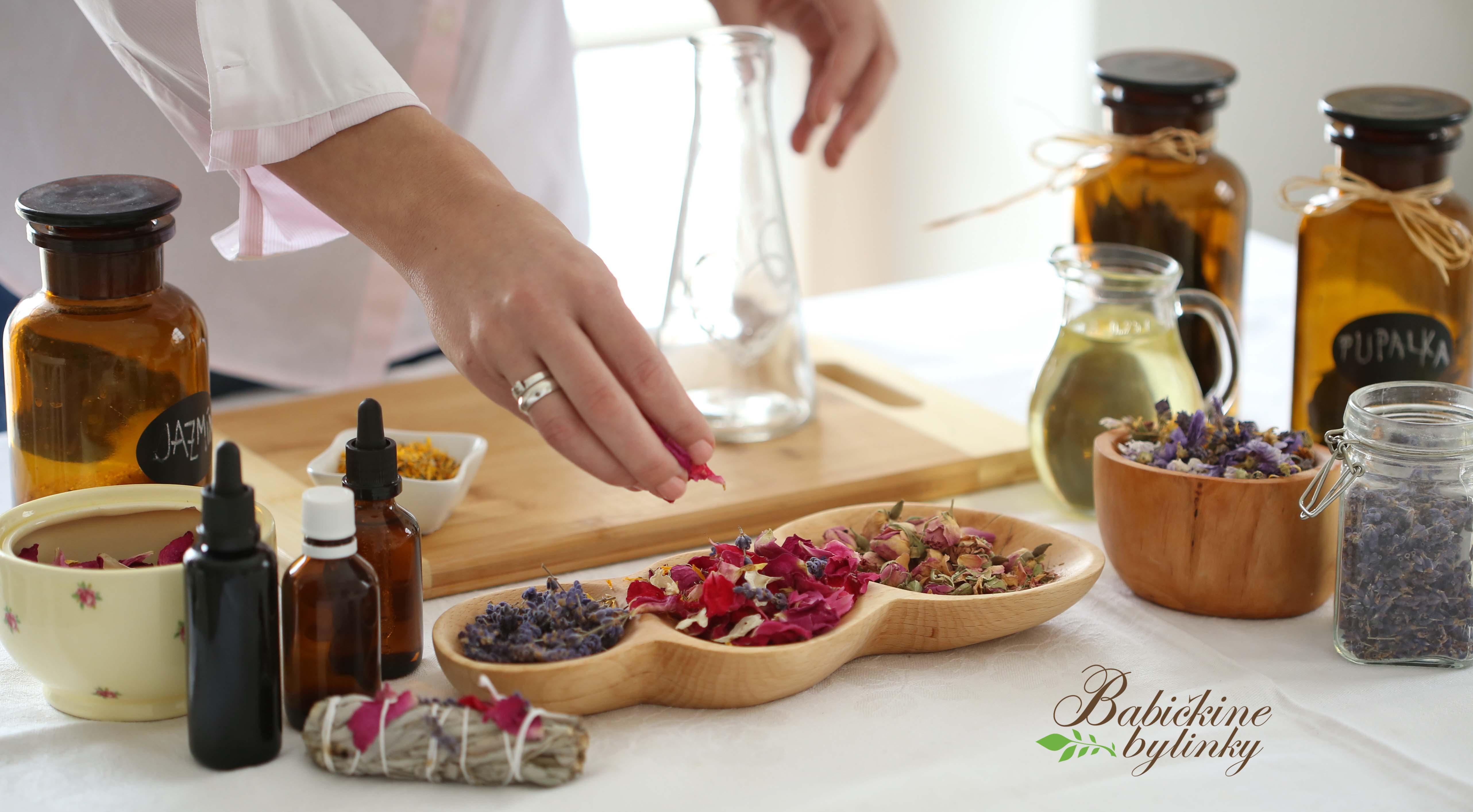 7 bylinkových kozmetických olejov pre krásnu azdravú pokožku