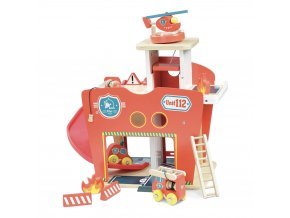 wooden fire station 10 pieces