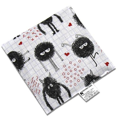 Babyrenka nahřívací polštářek 15x15 cm z třešňových pecek Čertík PTPC47