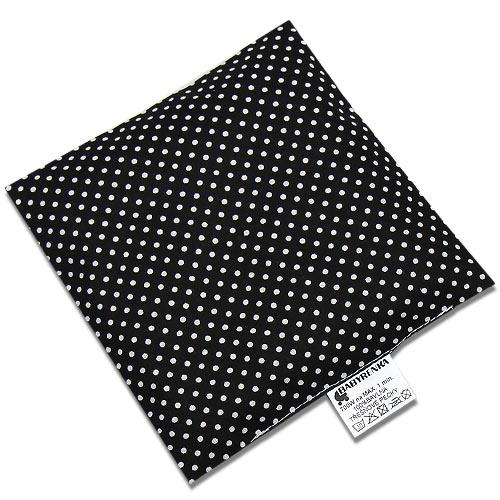 Babyrenka nahřívací polštářek 15x15 cm z třešňových pecek Dots black PTPDBL47