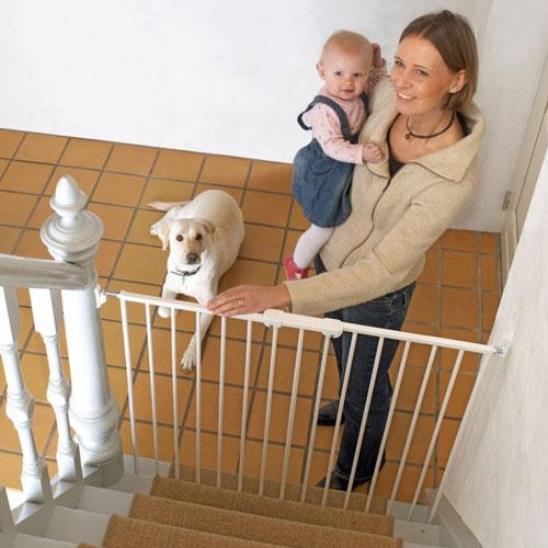 Baby Dan Zábrana Pet Gate Streamline, kov bílá 63,5-107 cm