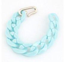 Světle modrý plastikový řetěz na ruku
