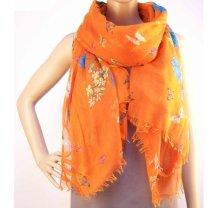 Oranžový šátek se vzorem květin a motýlů