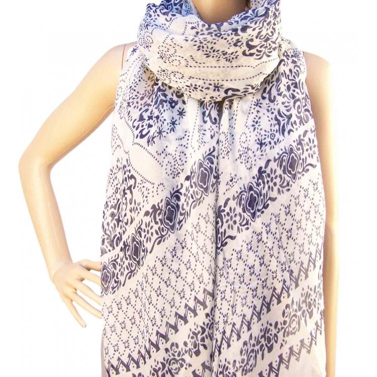 Dámský šátek bílý s modrým vzorem