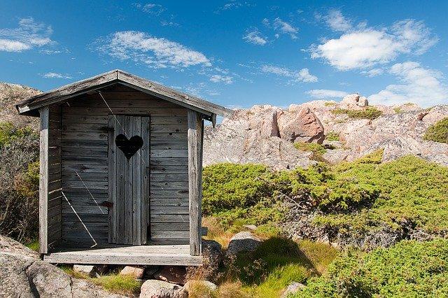 Ako sa zbaviť zápachu z latríny?