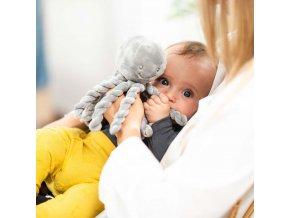 detska prvni hracka chobotnicka nattou piu piu lapidou
