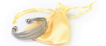 Víte, jak správně pečovat o šperky?