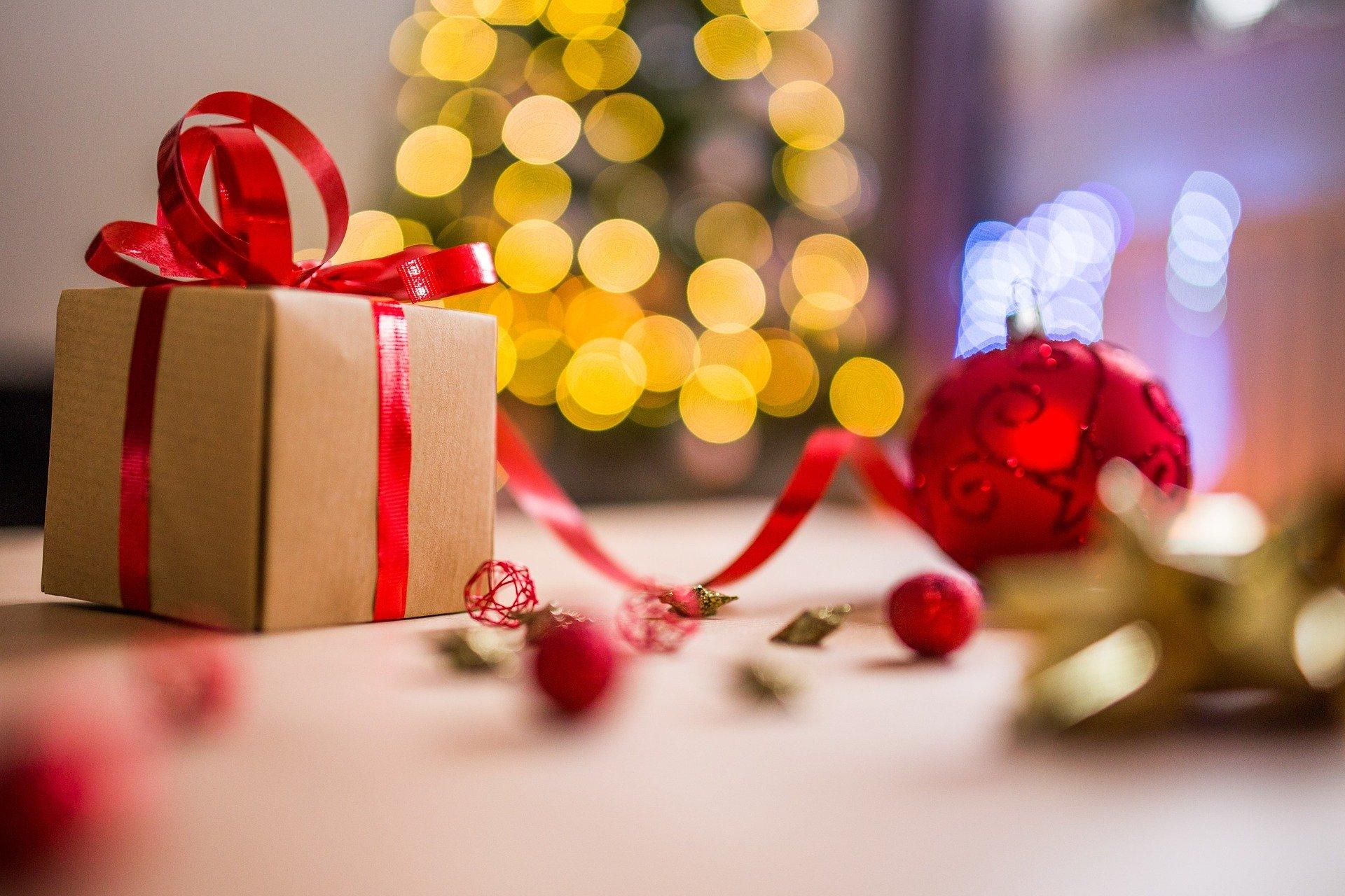 christmas-2605818_1920