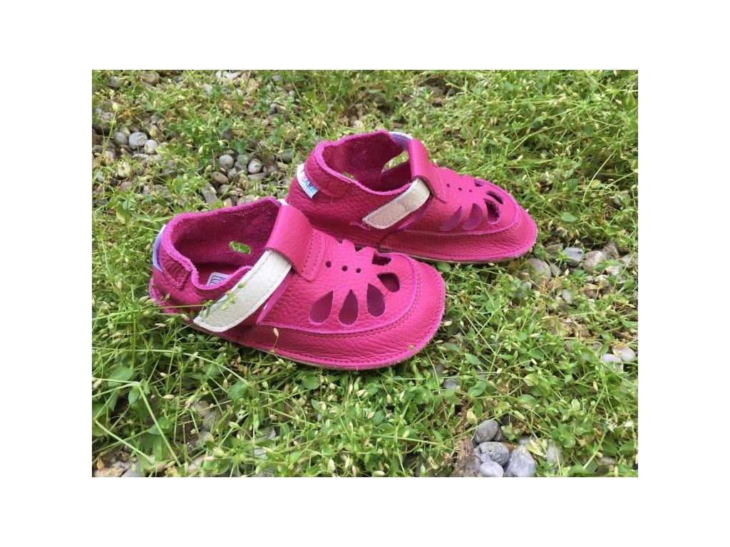 baby bare shoes waterlily summer