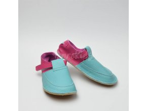 BABY BARE SHOES OUTDOOR PLANT