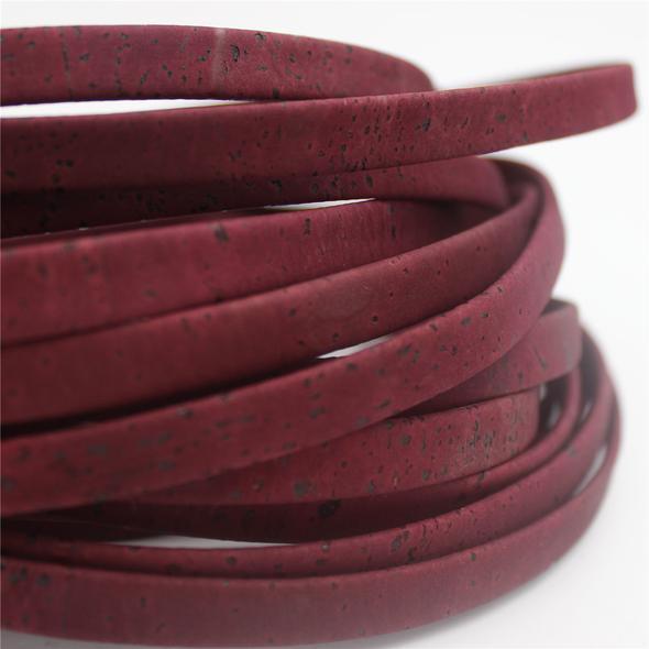 korkové šňůry a pásky