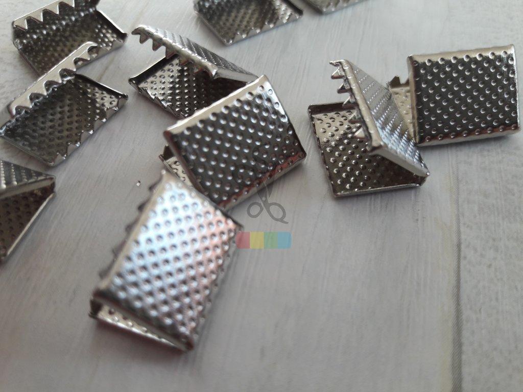 zakončení kovové 15 mm vroubkované, barva stříbrná