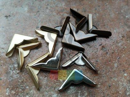 rožek kovový s vlnovkou 22 x 22 mm, různé barvy