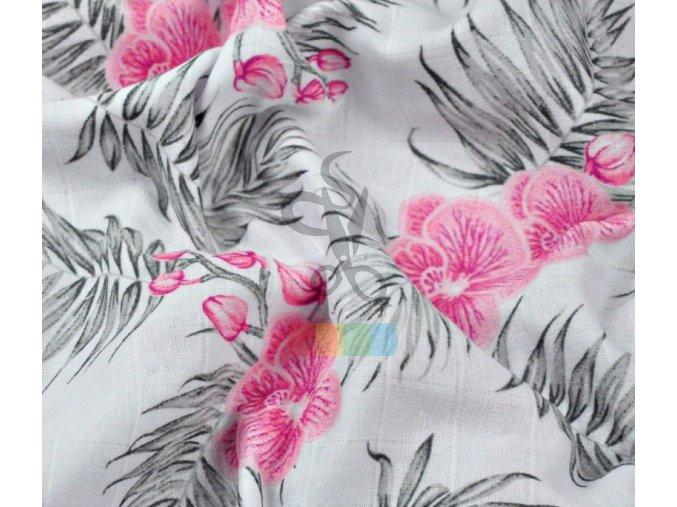 muslin bawelniany rozowy storczyk z liscmi na bialym tle (1)