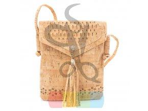 malá kabelka korková s vyřezávaným vzorem