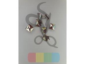 cvok ve tvaru pyramidy - stříbrný