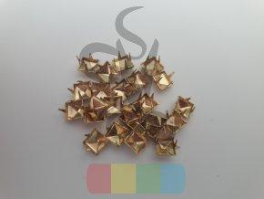 cvok ve tvaru pyramidy - zlatý